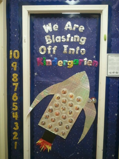 15 must see rocket bulletin boards pins space bulletin boards space theme classroom and - Outer space classroom decorations ...