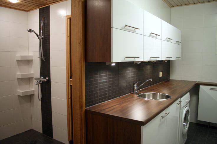 Kodinhoitohuone, suihku, laatoitus