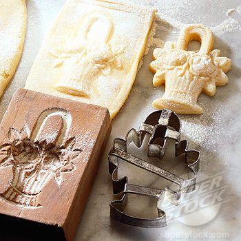 Springerle: mold, rectangular cookie, basket of flowers, basket-cutter, closely cut springerle cookie, recette springerle