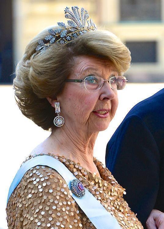 Princess Desiree of Sweden sister if King Carl