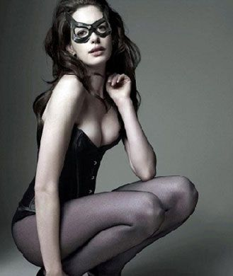 What does it take to pull off a skin-tight black leather cat suit in front of millions of viewers on the big screen? A lot of hard work and a very clean diet. Even the always-svelte Anne Hathaway