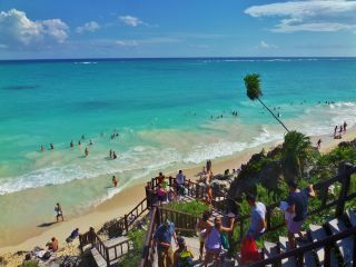 Are you looking how to get from the Cancun Airport to Tulum? We give you the options here and what is the best. ADO bus, renting a car and private transfer.