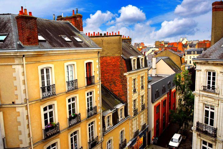 #Rennes é a capital da região da #Bretanha, e é também a 10ª maior cidade da #França. Você pode chegar a Rennes de TGV a partir de Paris!
