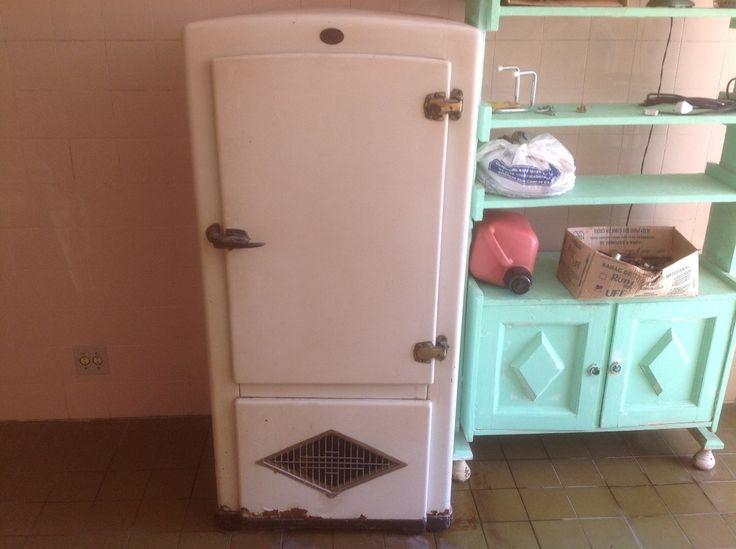 Antiguidade! Rara - Refrigerador Antigo Anos 50 - R$ 2.500,00 no MercadoLivre