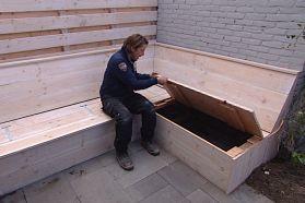 Opbergruimte in de tuinbank | Eigen Huis & Tuin Handig voor peddels en hengels ed. voor op de steiger !! Met mooie bouwtekening met maten. https://www.pinterest.com/eigenhuisentuin/