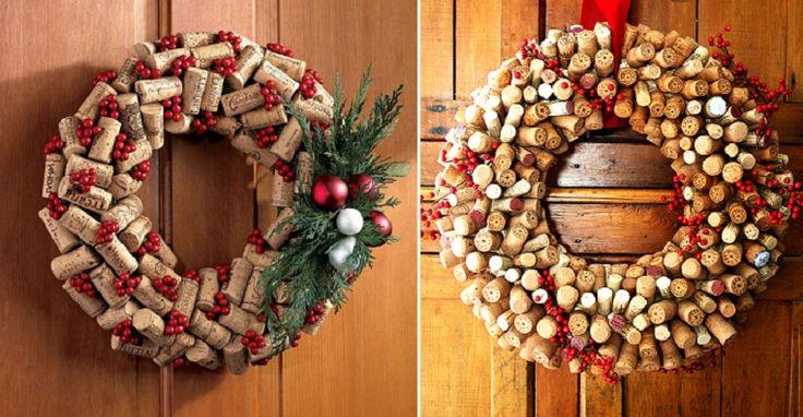 Per Natale una decorazione fai da te, semplice, carina ed ecologica da appendere alla porta di casa è la ghirlanda di tappi di sughero. Se avete tappi di bottiglie di vino o spumante messi da parte durante l'anno potrete risparmiare notevolmente, i tappi di sughero infatti vengono venduti ...