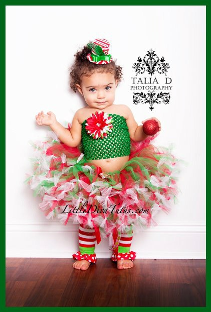Super cute for a Christmas session :) when i have a lil girl i want to make her a tutu like this! too cute!