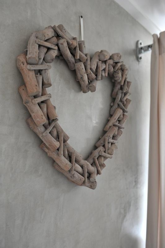 Hart van stukjes hout vergrijsd