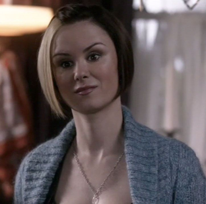Keegan connor tracy in Supernatural. Love her hairstyle and the color!!