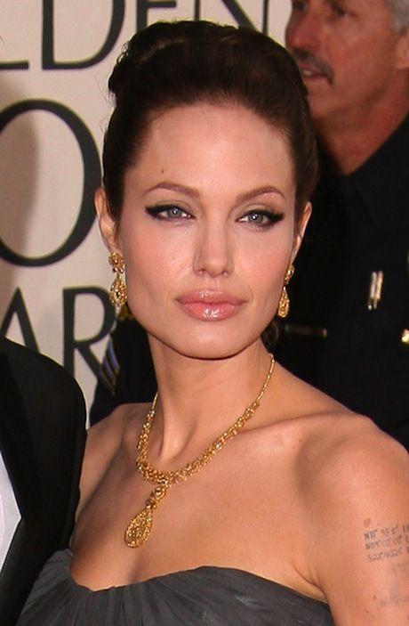 Angelina Jolie Pitt 64th Annual Golden Globe Awards Jan 2007 wearing Bochic Jewellery
