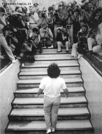 The Beginning: Maradona arrives at Stadio San Paolo di Napoli, 1984 (photo by Luciano Ferrara)