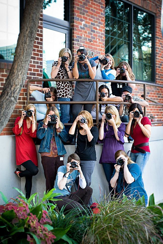 just like our photography club photos love it     10 Tips for Photographing Large Groups.  #Holiday Photo Tips by iHeartFaces.com  #GiftsThatDo