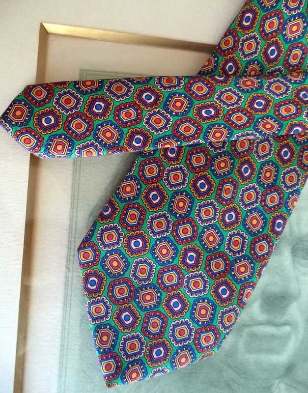 YSL rare Vintage Couture Silk Emerald Green multi Jewel 62L Necktie tie Mint Listing in the Ties,Mens Accessories,Clothes, Shoes, Accessories Category on eBid Canada