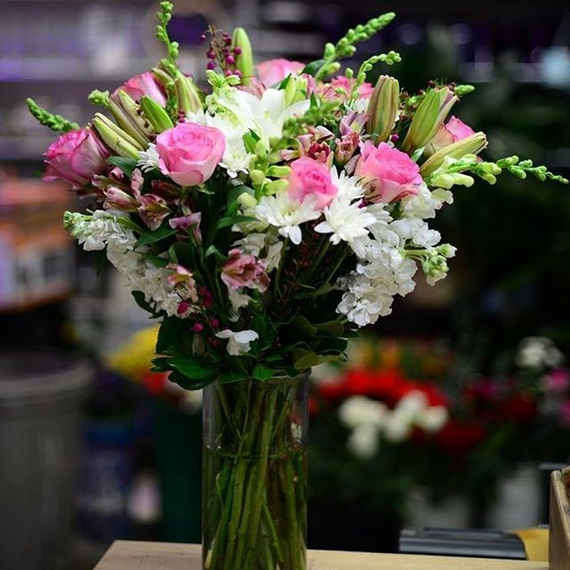 Spreading Love One Flower At A Time Flowers Celebration Plumeriabb Beautiful Bouquet Flower Delivery Plumeria