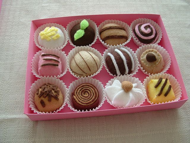 A very pretty assortment of felt food chocolate truffles. Don't want you getting bored! Next..