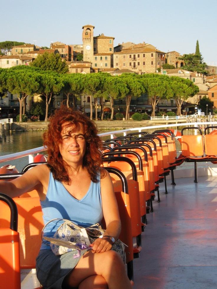 Touring Lake Trasimeno on a hot September day