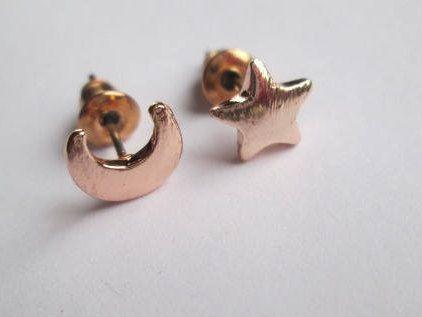 Luna  Estrella, oro rosa, Aretes pequeños, minimalista, hecho mano, España, regalo, día de la madre, San Valentín, Navidad, de anejewelry en Etsy
