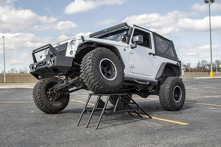 Poser Stand | Rough Country Suspension Systems®