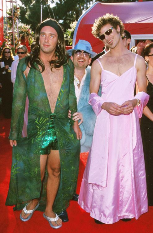 """octopusgirl: """"Trey Parker and Matt Stone wearing dresses to the Oscars in 2000 while on acid """""""