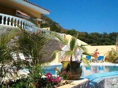 Casa Tomkat  Private Infinity Pool  Barra de Navidad, Mexico