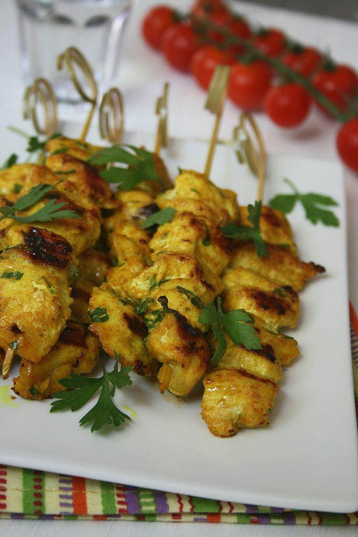Brochettes de poulet au fromage blanc et curry