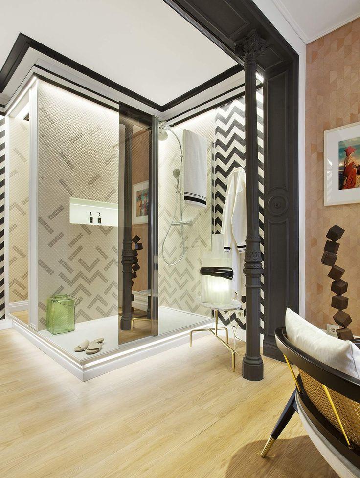 Un espacio elegante y chic donde la cuidada iluminación aporta calidez al espacio. #details #bathroom #deco #arquitectura #interiordesign #decoracion #interiorismo #decor