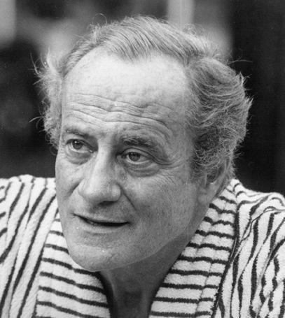Paulo Autran - foi um ator brasileiro de teatro, cinema e televisão.