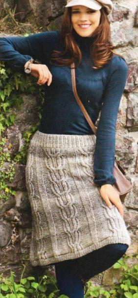 теплая вязаная юбка спицами из меланжевой пряжи