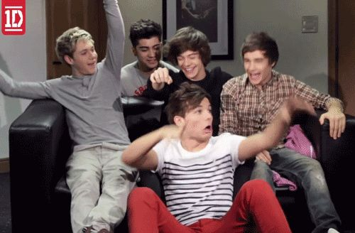 Day 28: Your favorite gif of One Direction...again.  This is one of my favorites, even if it is in slow motion. It's funny, but it makes me want them to be the boys on the stairs again <3