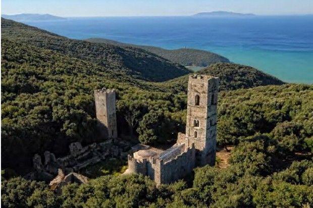 San Rabano, rovine nel parco naturale della maremma