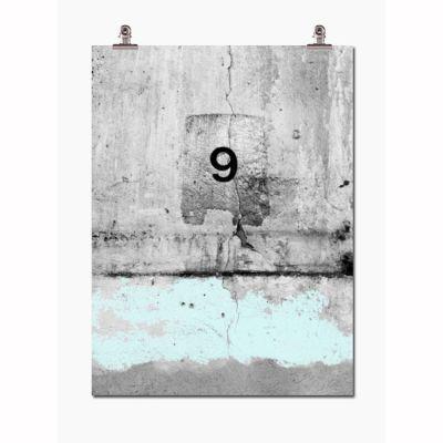 Garasje no 9 fra Wallstuff. Vår sak har sin p-plass. Trykket på fotopapir av høye...