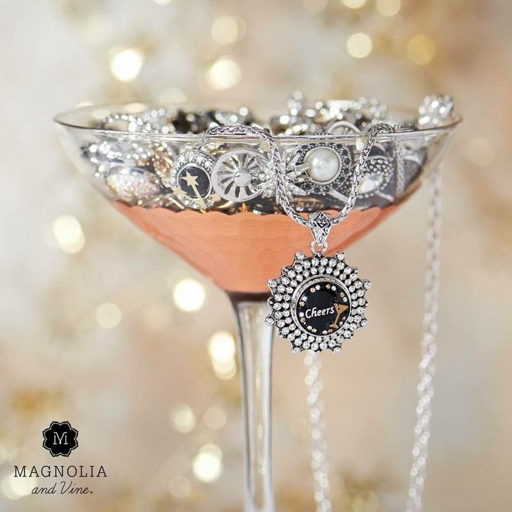 Magnolia And Vine Hy New Year Celebrating Bubbly Personalities The Shine Of