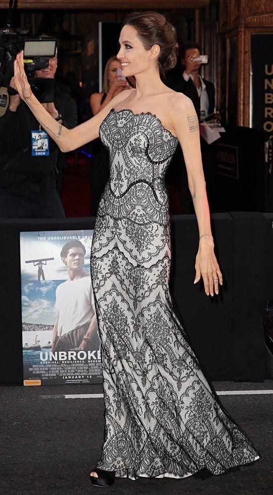 Pin for Later: Angelina Jolie überrascht uns mit ihrer Kleiderwahl