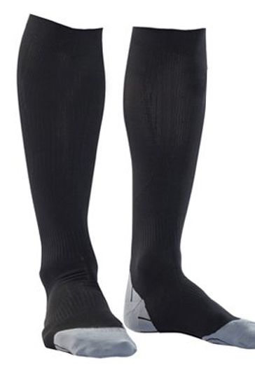 Private Label Manufacturer of Black and White Fitness Socks