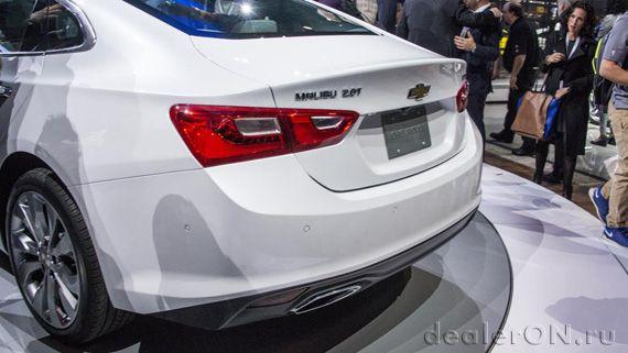 Седан Chevrolet Malibu 2016 / Шевроле Малибу 2016 – Нью Йорк – хвостовая часть
