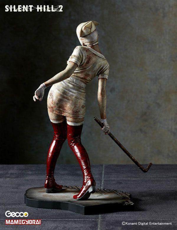Silent_Hill_2_Bubble_Head_Nurse_SDCC_Exclusive_PVC_Statue_2.jpg (600×779)