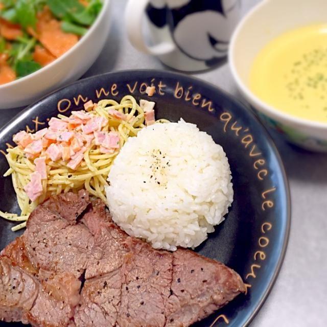 ペッパーステーキ スパゲティサラダ バターライス サーモンサラダ コーンスープ - 16件のもぐもぐ - おもてなしにステーキランチ(*´꒳`*) by yuzuponajipon