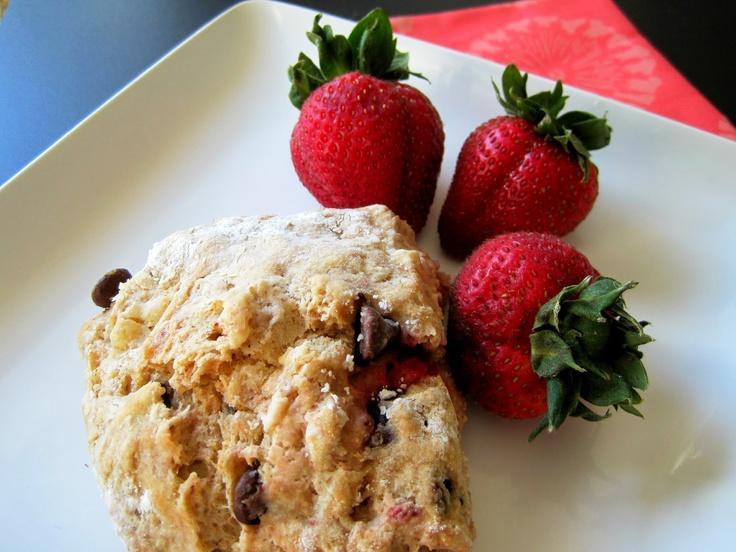 Whole Wheat Chocolate Strawberry Scones | Skinny Muffin