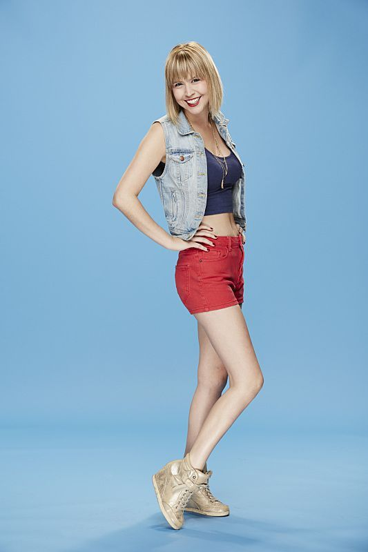 BB17 Houseguest Meg Maley- Meg Maley is 25 yrs old currently from NYC. She is a server and enjoys the beach, spin class, brunch and anything music.