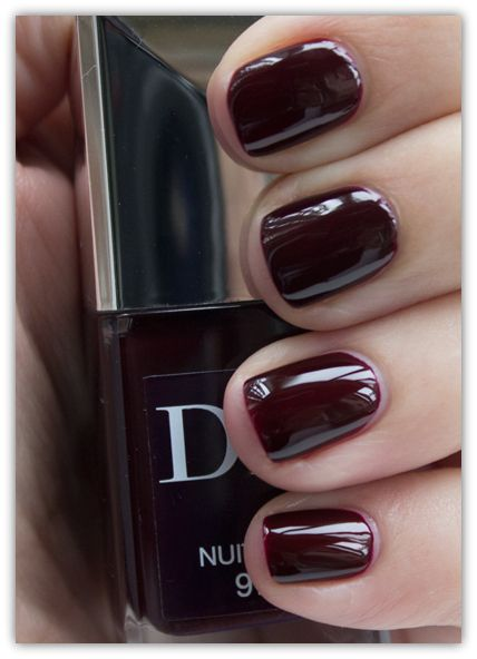 Dior Nuit 1947 vs Chanel Rouge Noir Swatch (top 2 nails are Dior)
