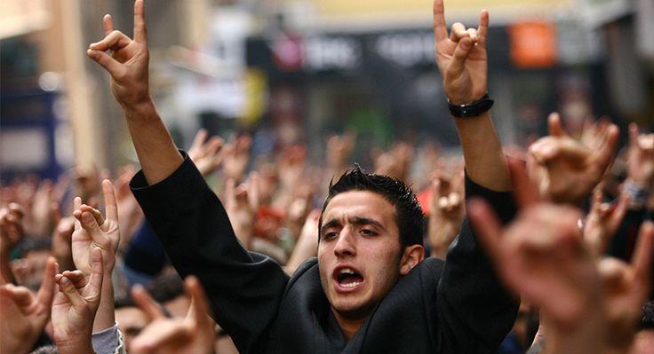 Türkiye'nin yönlendirmesiyle Suriye'deki savaşın parçasına dönüşen Türkmenler ülkücüleri de cepheye çekiyor.