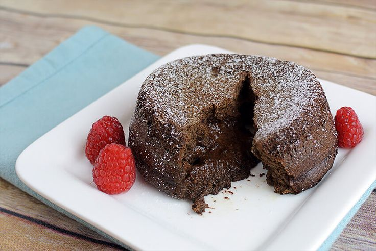 This keto lava cake is insanely simple to make & only has 4g of net carbs for the entire thing! Perfect for anyone low carb with a sweet tooth. Indulge in it!