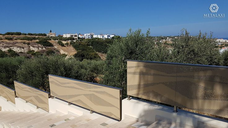 BALUSTRADE - ΚΑΓΚΕΛΟ - HIGHLANDS Aluminum perforated balustrades for balcony. Metalaxi Innovative Architectural Products. www.metalaxi.com Life is in the details.