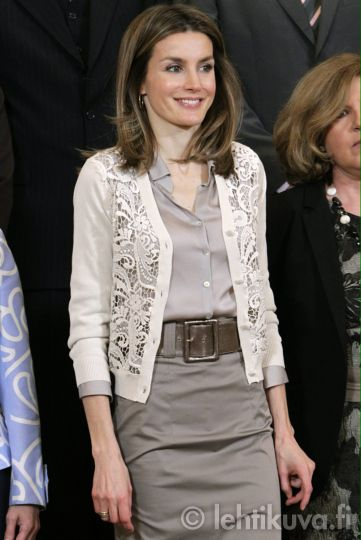 Wide belt, monochromatic gray, lace cardigan white, silk blouse, pencil skirt