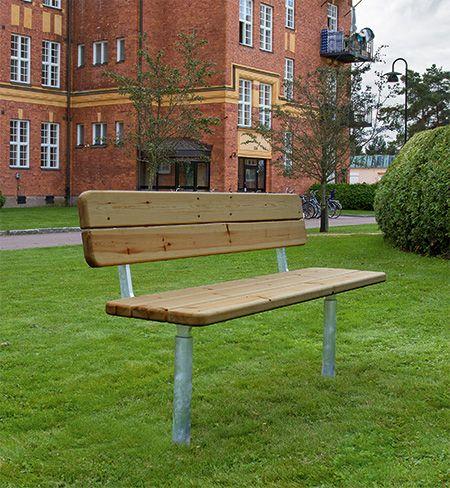 ONE Soffa Produkten är designad av Tim Alpen och är helt och hållet tillverkade i Sverige av svenskt råmaterial. Möblerna är tillverkade av furu som linoljebehandlats (Linax) och stålet är självfallet varmförzinkat och där så önskas, pulverlackat.