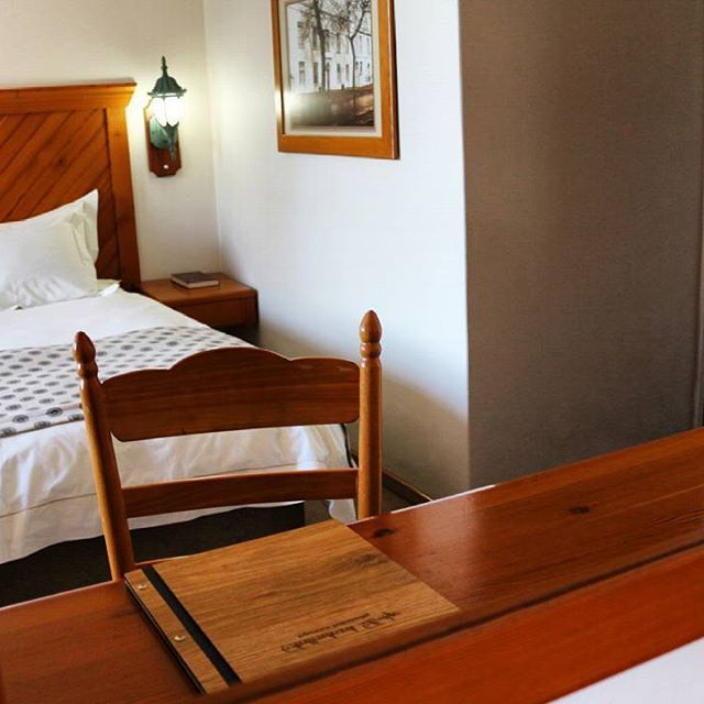 Want to find out more about our special December holiday rates? Email us: info@stblodge.co.za  #freewifi #room #roomservice #dstv #airconditioning #extralength #beds #arthotel #stellenbosch #accommodation #hotel #capetown #southafrica #holiday #december #january #lovetravel #traveltheworld #travel