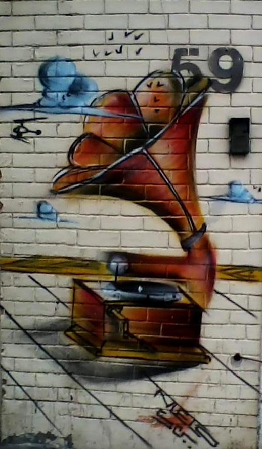 Street Art - Rio de Janeiro - Brasil. #streetart #publicart #artwork #music #phonograph