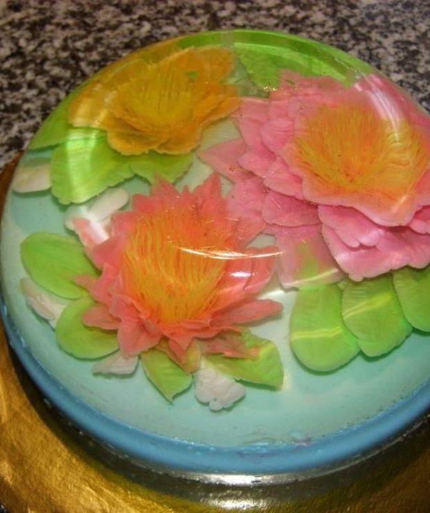 Tort Urodzinowy Karmelowe Pl Dekoracje Z Makaronikow Bezikow I Recznie Temperowanej Bialej Czekolady Lubicie Instafood Instacakers Cakespoland Cak Cake