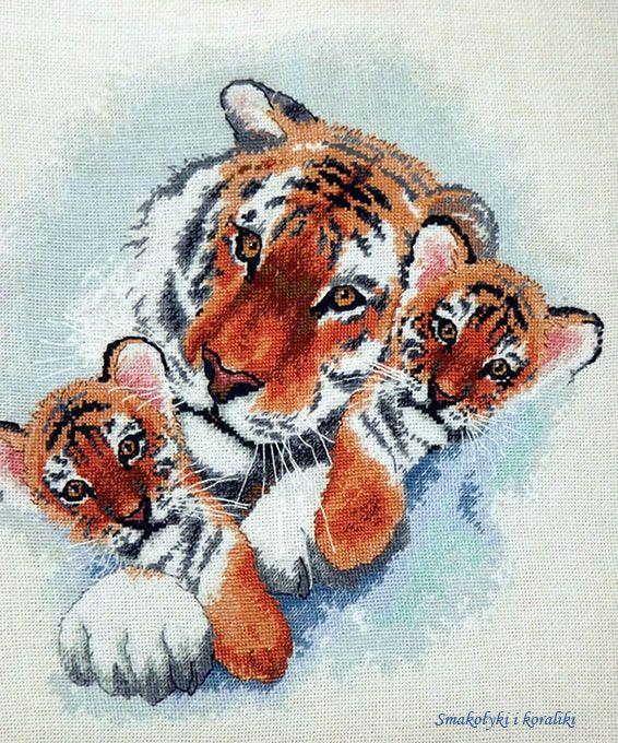 Smakołyki i koraliki: haft krzyżykowy - Tygrysy