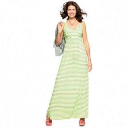 Wat is het toch fijn een maxi jurk te hebben. Deze kan goed gedragen worden naar een nette gelegenheid, maar wordt tegenwoordig ook veel gezien op straat.